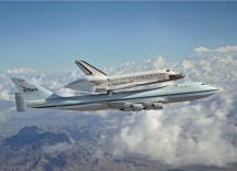 Boeing 747 Carries Space Shuttle