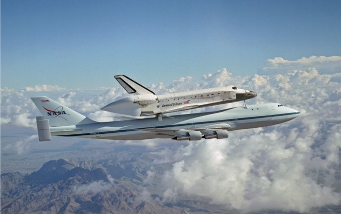 How Can A Boeing 747 Carry A Space Shuttle? - Ask The ...
